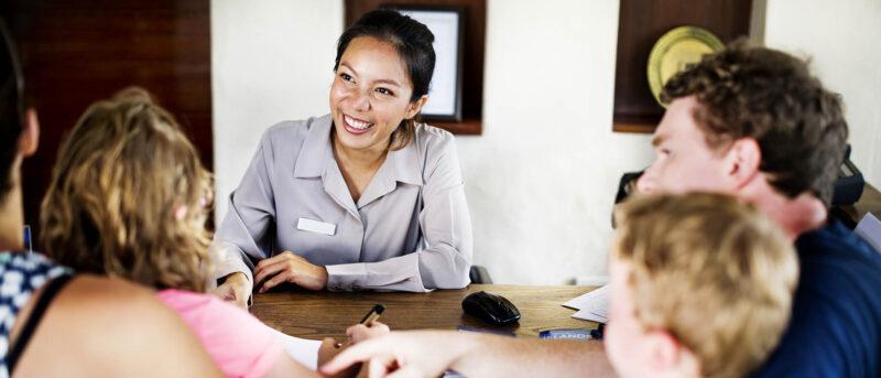 Van Facilitair medewerker naar gastheer/-vrouw