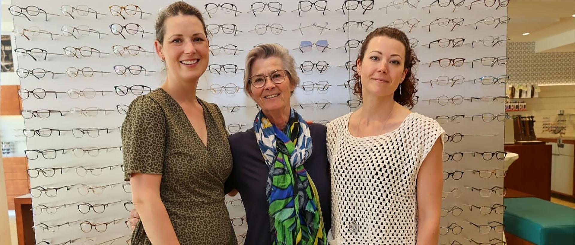 Thea rondt optiek-opleiding af tussen de tieners